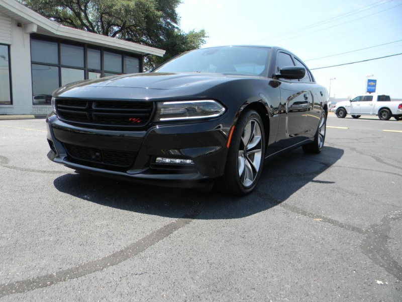 Dodge Charger 2016 price $29,900