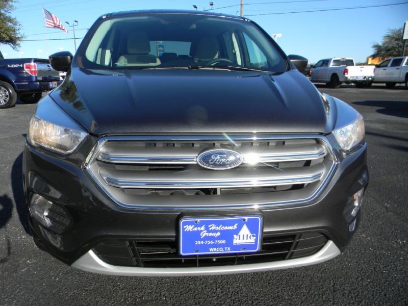 Ford Escape 2017 price $15,870