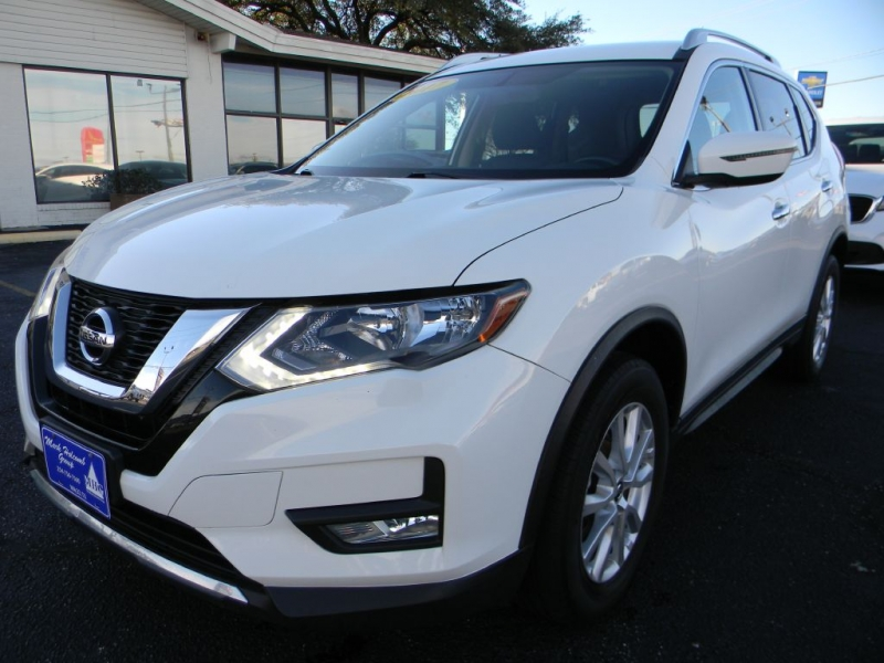 Nissan Rogue 2017 price $17,202