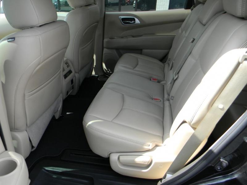 Nissan Pathfinder 2017 price $21,114