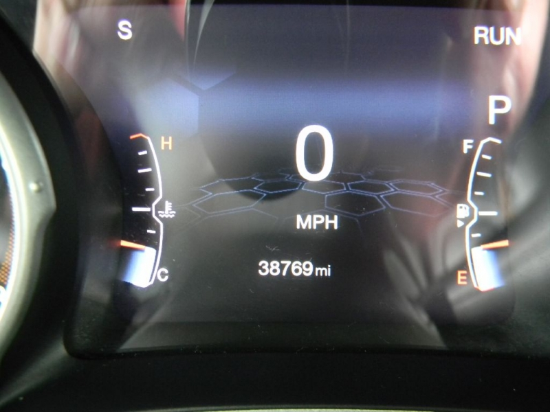 Jeep Compass 2017 price $25,900