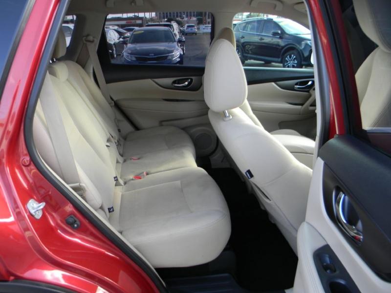 Nissan Rogue 2016 price $13,900