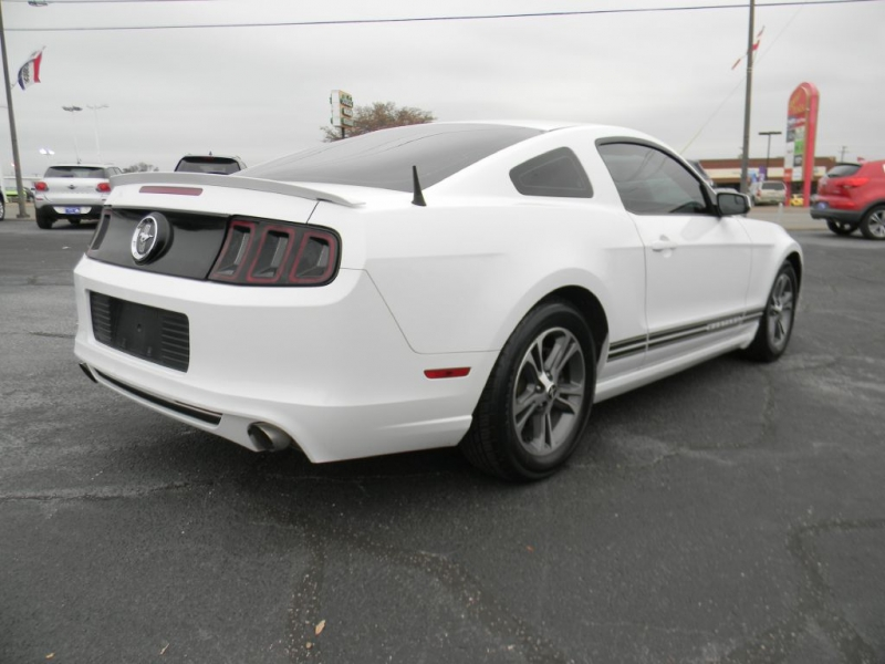 Ford Mustang 2014 price $13,900