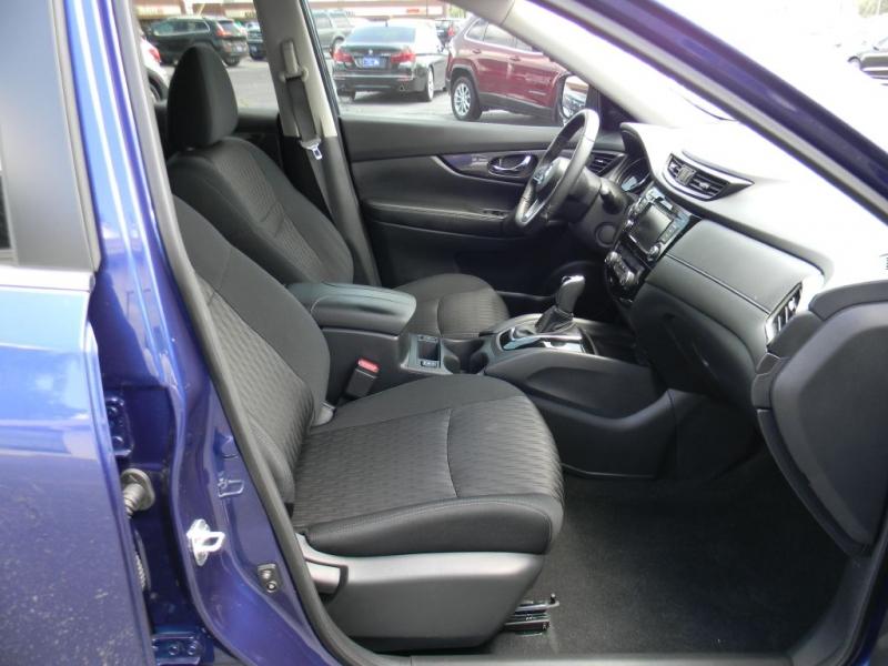 Nissan Rogue 2019 price $25,900