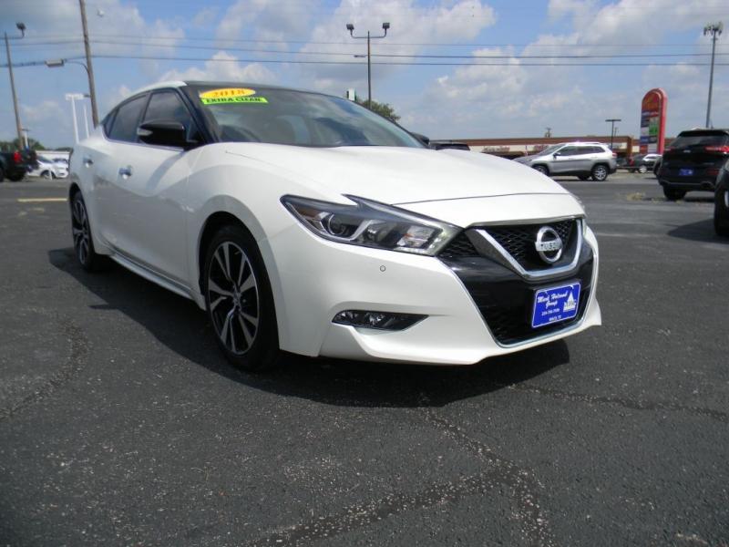 Nissan Maxima 2018 price $27,900