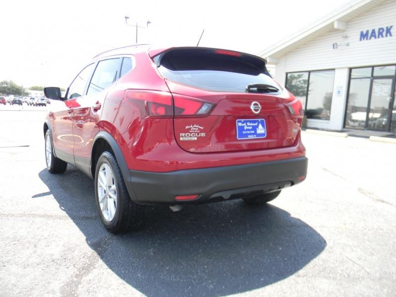 Nissan Rogue Sport 2018 price $18,900