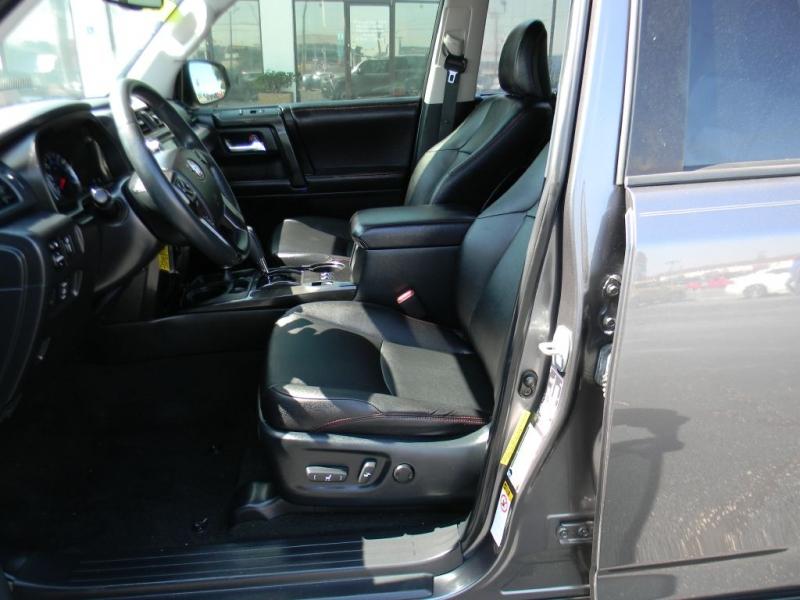 Toyota 4Runner 2016 price $37,900