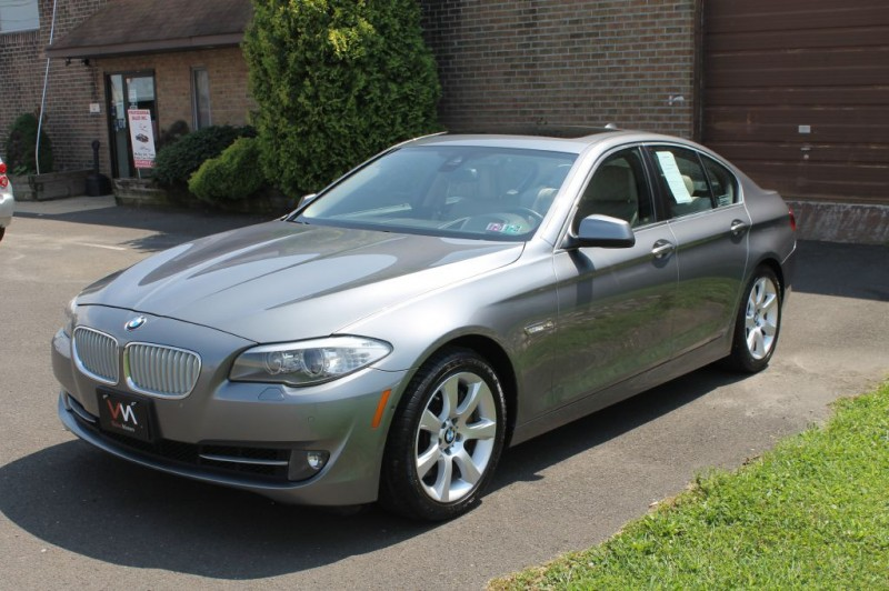 BMW 550i xDrive 2013 price $16,995