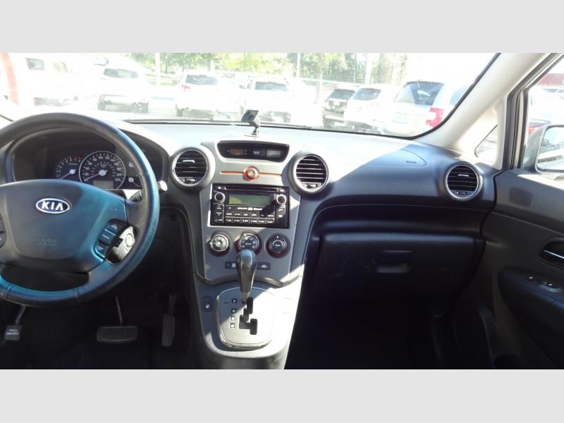 Kia Rondo 2011 price $3,995