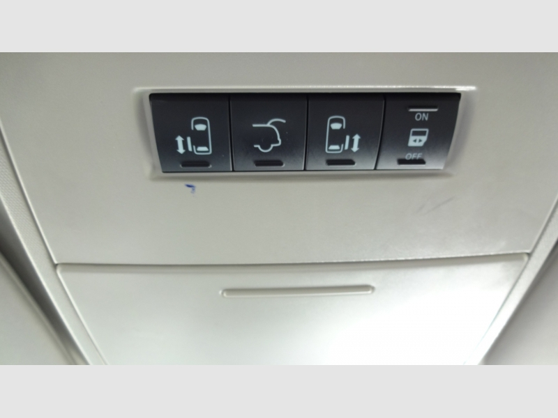 Chrysler Town & Country 2014 price $14,995