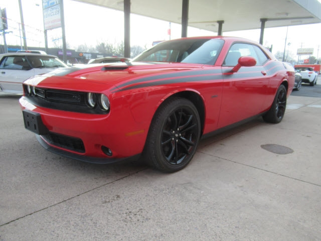 Dodge Challenger 2017 price $30,900