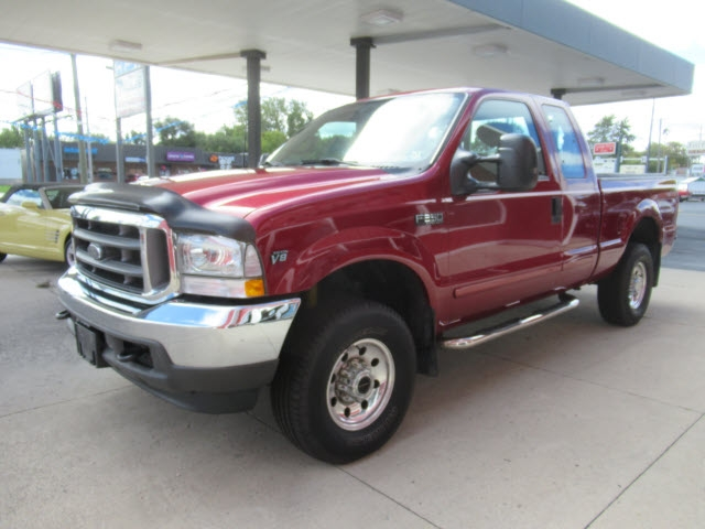 Ford F-250 XLT 2002 price $12,900