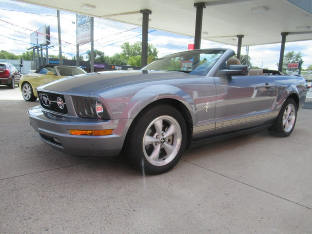 Ford Mustang 2007 price $18,900