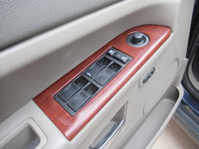Jeep Grand Cherokee 2005 price $8,995