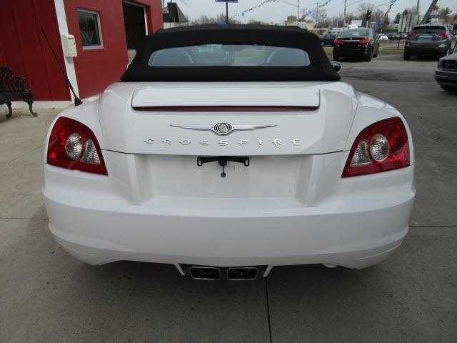 Chrysler Crossfire 2005 price $15,900
