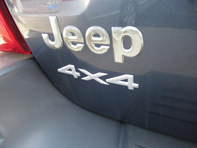 Jeep Grand Cherokee 2004 price $7,995