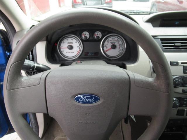 Ford Focus 2011 price $6,995