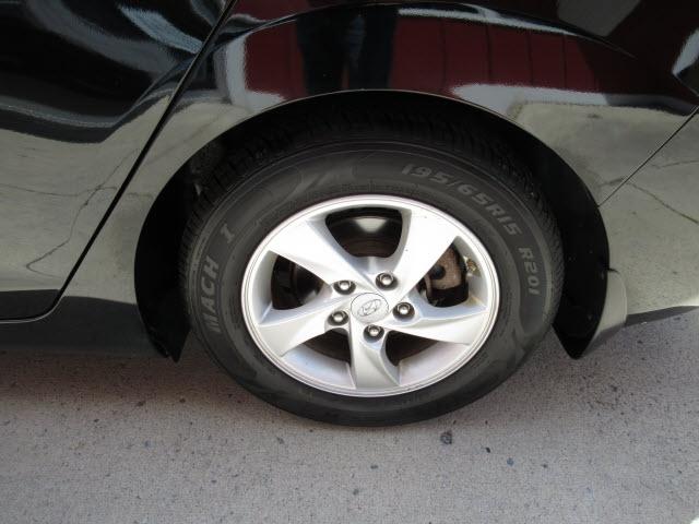 Hyundai Elantra 2015 price $11,900