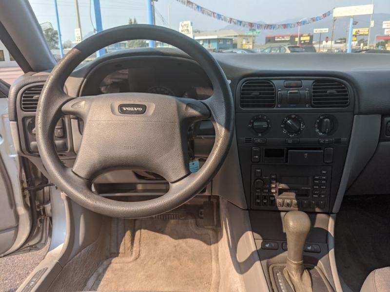 Volvo S40 2000 price $2,450