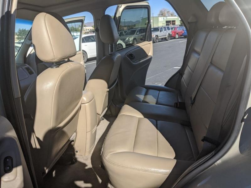 Ford Escape 2005 price $3,450
