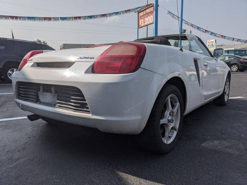 Toyota MR2 Spyder 2000 price $4,950