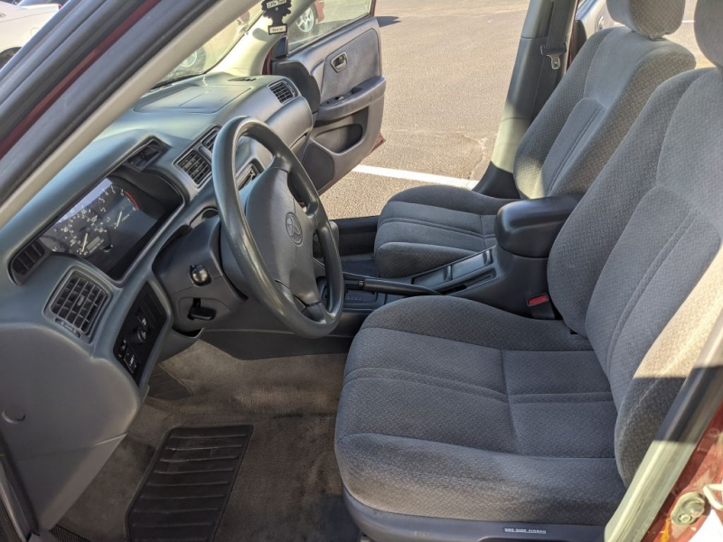 Toyota Camry 2000 price $2,950