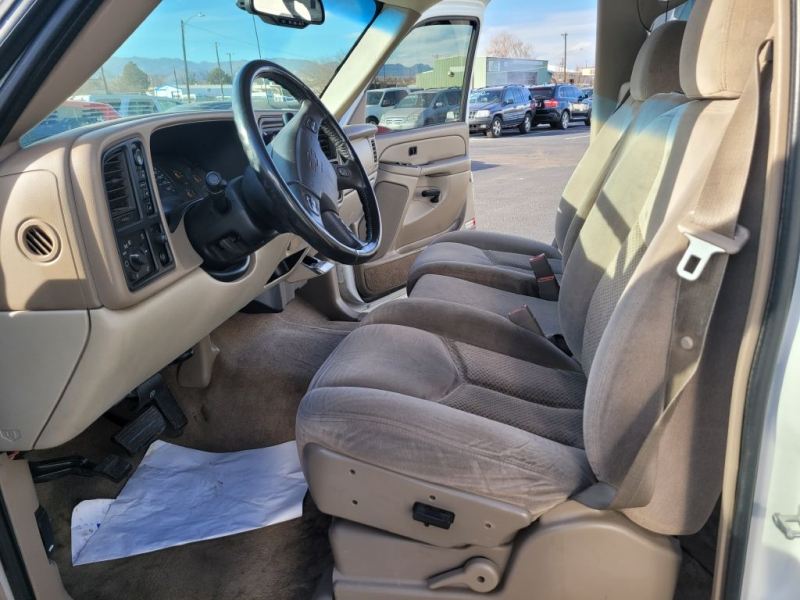 Chevrolet Suburban 2005 price $4,950