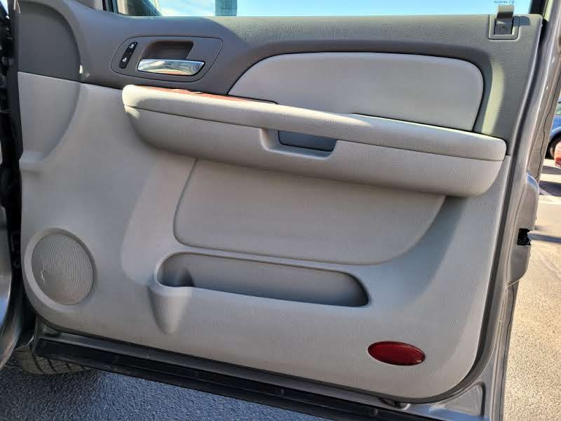 Chevrolet Suburban 2007 price $5,950
