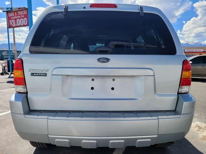 Ford Escape 2005 price $3,950