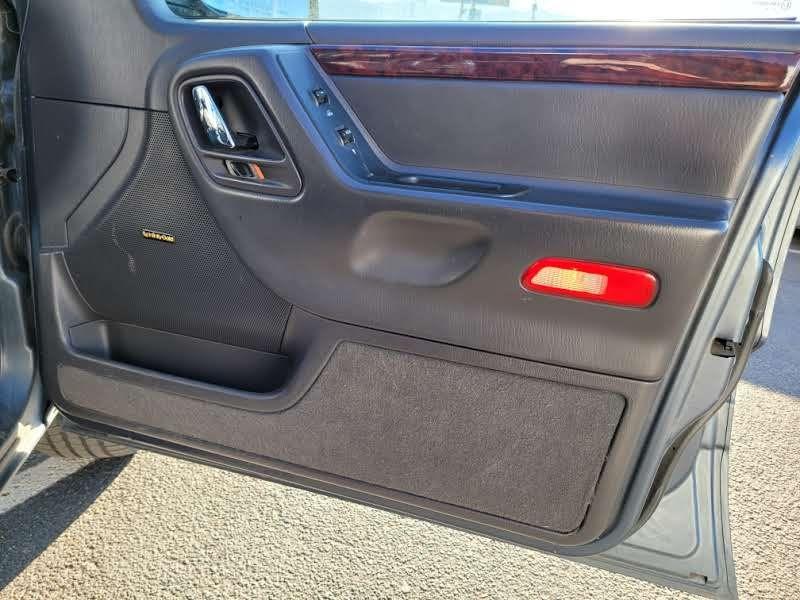 Jeep Grand Cherokee 2000 price $3,950