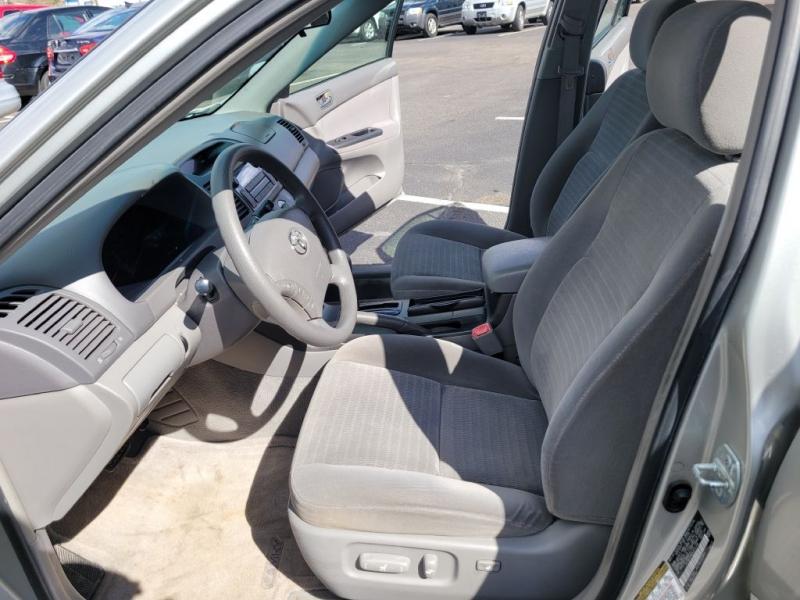 Toyota Camry 2005 price $4,450