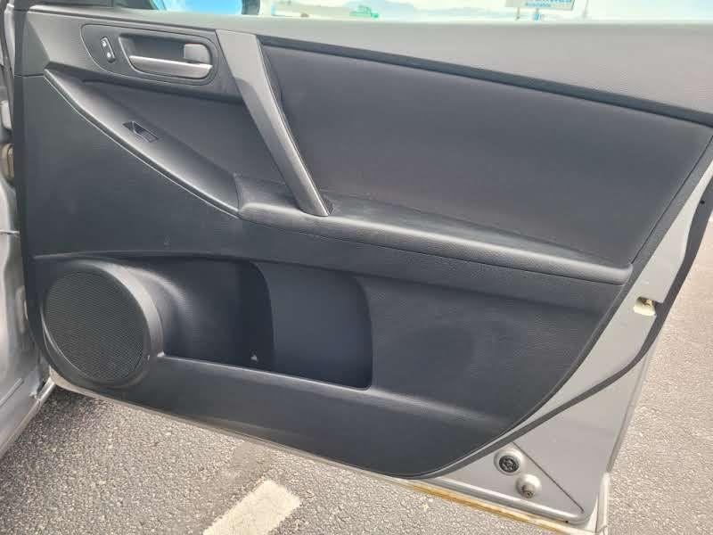 Mazda Mazda3 2011 price $4,450