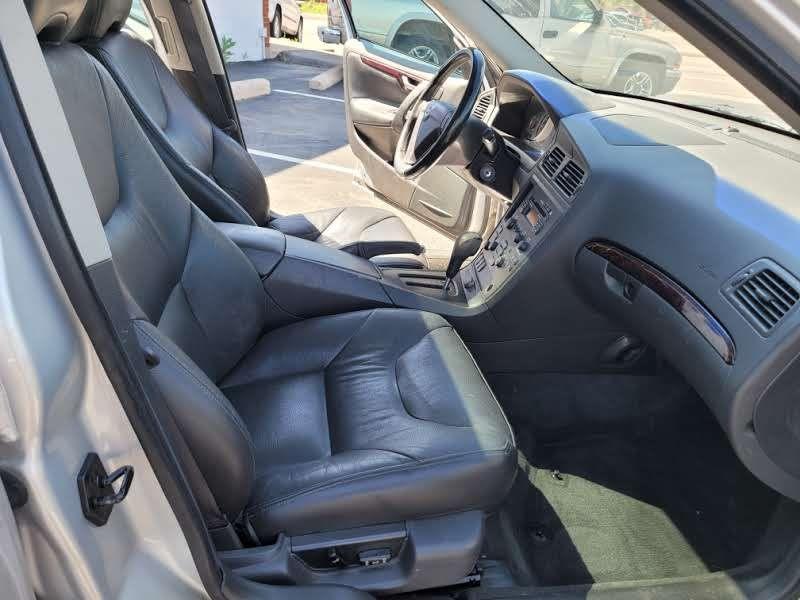 Volvo S60 2004 price $4,950