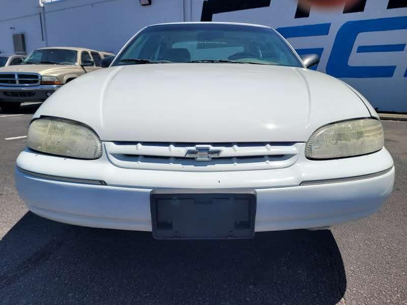 Chevrolet Lumina 2000 price $2,450
