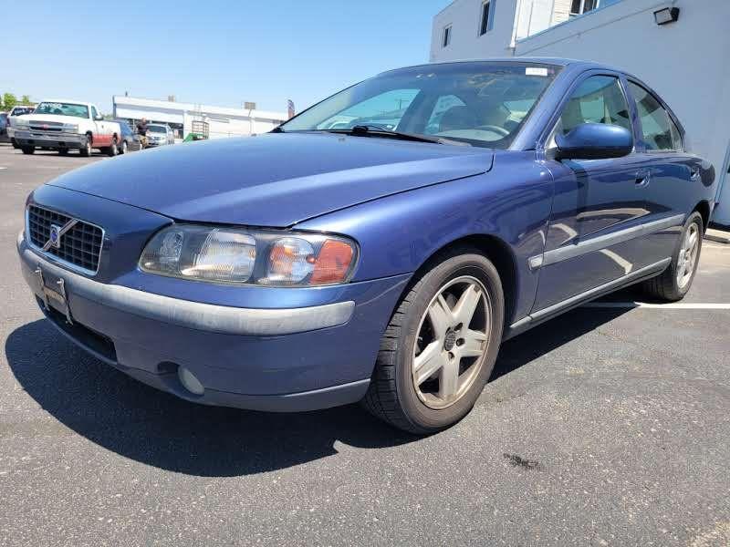 Volvo S60 2002 price $3,950