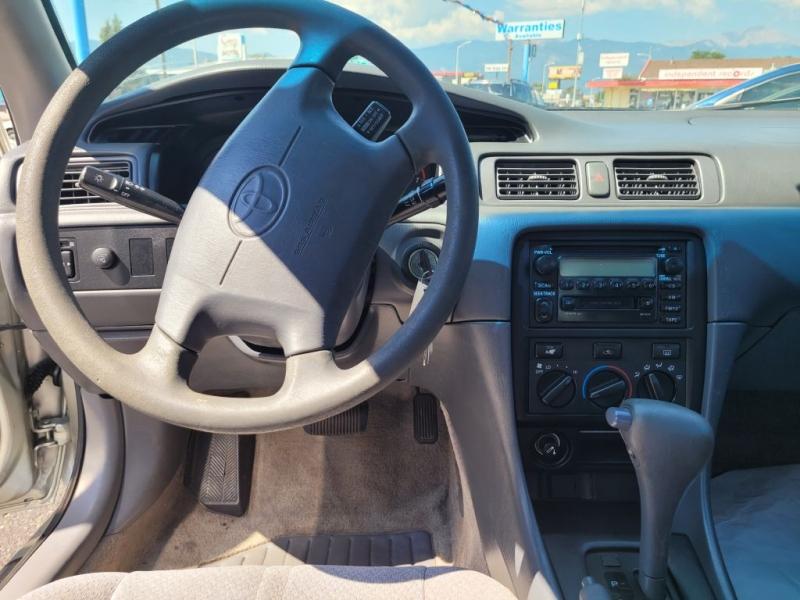 Toyota Camry 2001 price $2,950