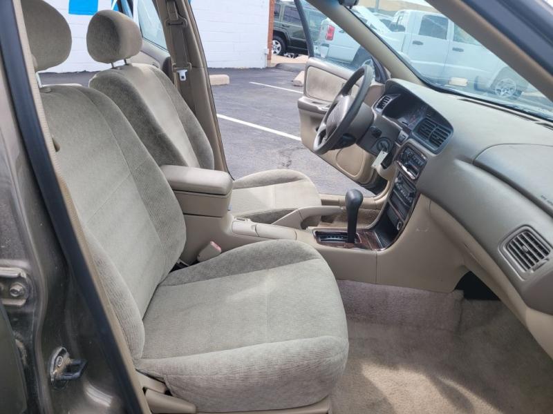 Nissan Altima 2000 price $3,450