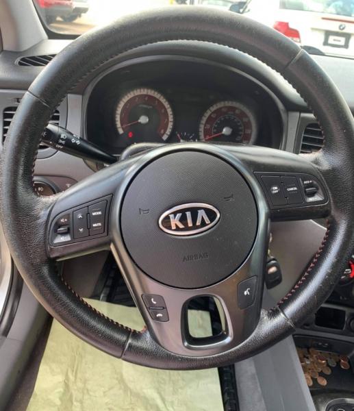Kia Rio 2011 price $3,990