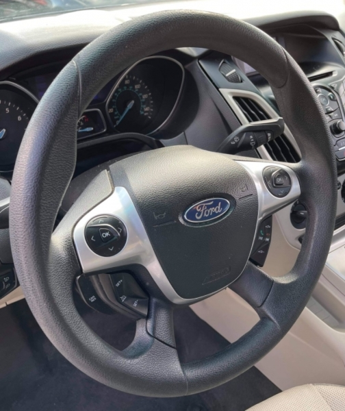 Ford Focus 2013 price $4,900