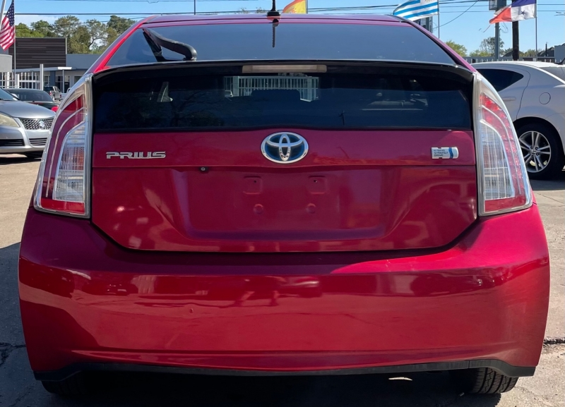 Toyota Prius 2012 price $7,490