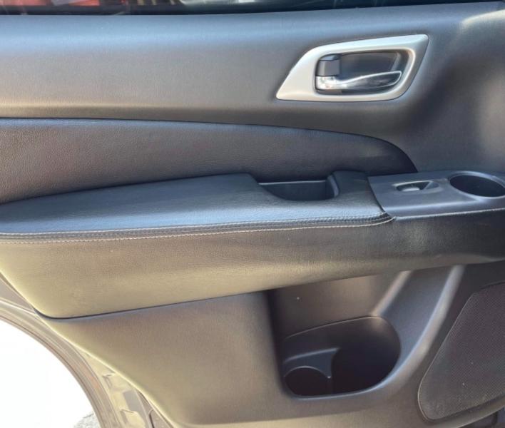 Nissan Pathfinder 2013 price $8,990