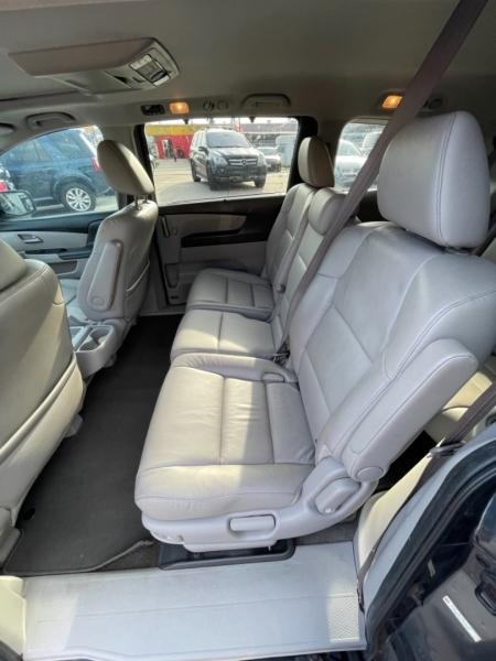 Honda Odyssey 2013 price $9,895