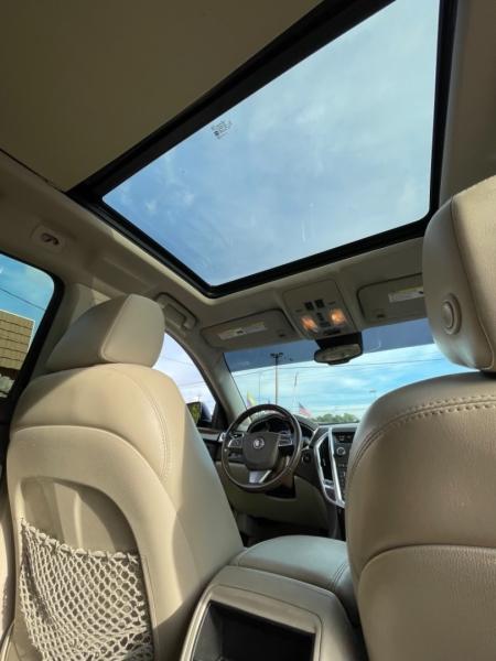 Cadillac SRX 2011 price $8,250
