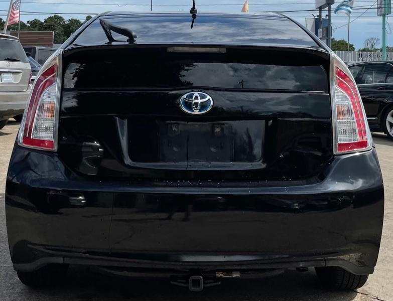 Toyota Prius 2012 price $7,500