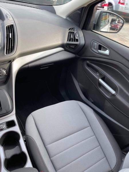 Ford Escape 2015 price $8,500