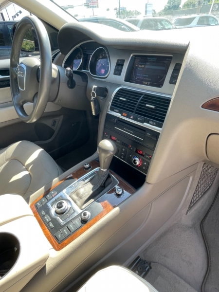 Audi Q7 2011 price $11,799