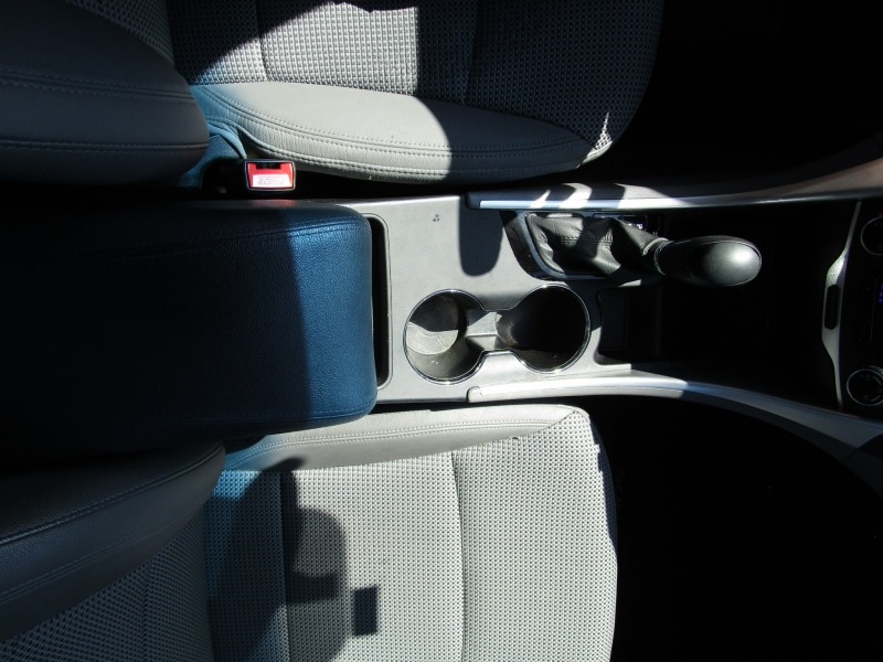 Hyundai Sonata 2012 price $7,285