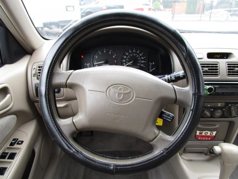 Toyota Corolla 2002 price $3,585