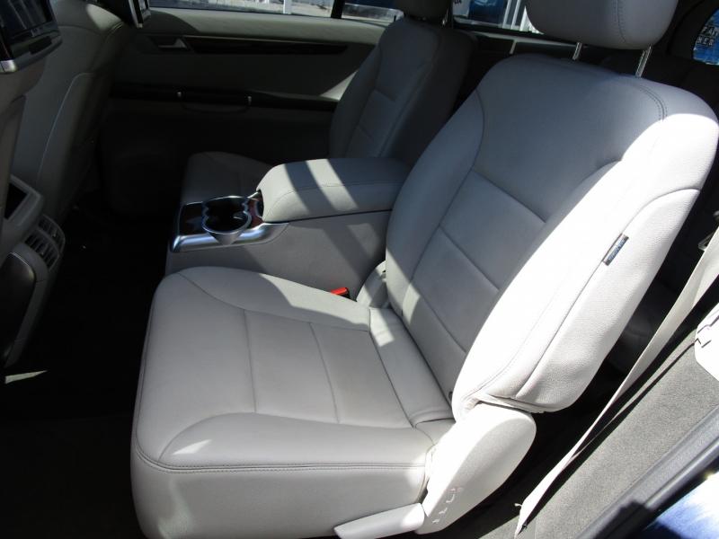 Mercedes-Benz R-Class 2012 price $13,485
