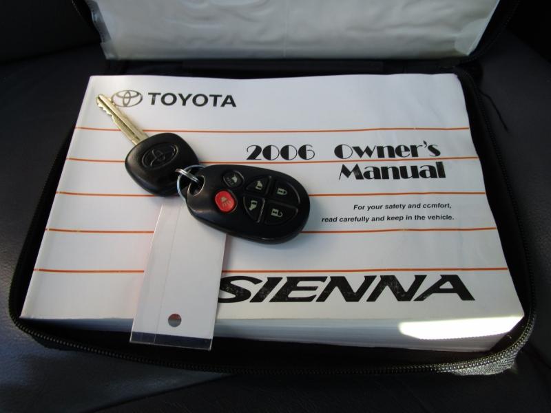 Toyota Sienna 2006 price $6,485